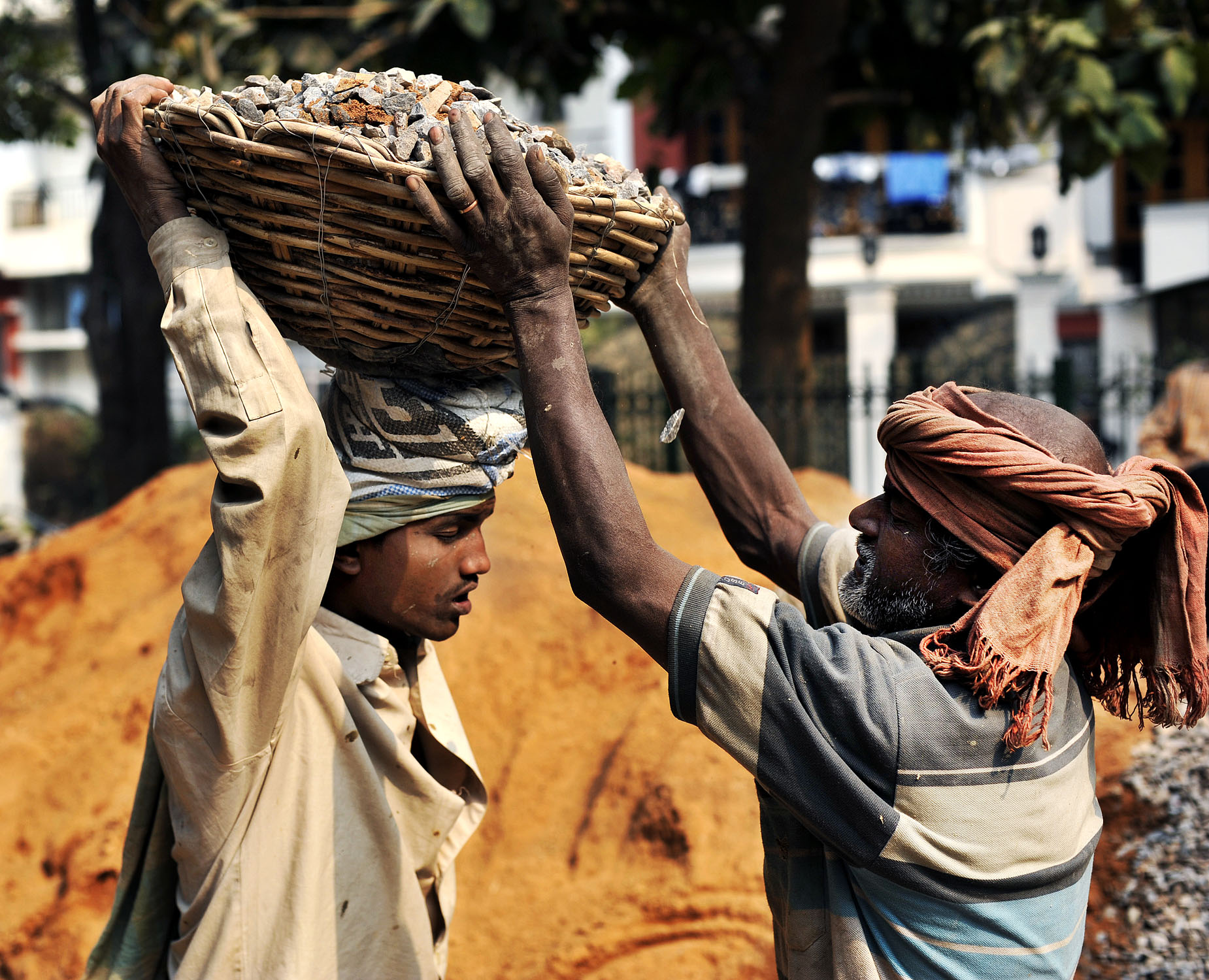 New Dehli, India. Bygningsarbeidere.